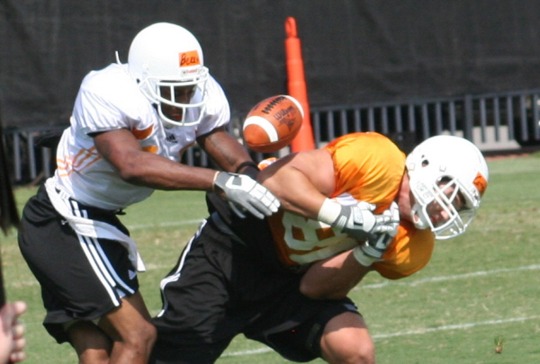 fall camp 3 Vols Start Second Week of Practice Gate 21