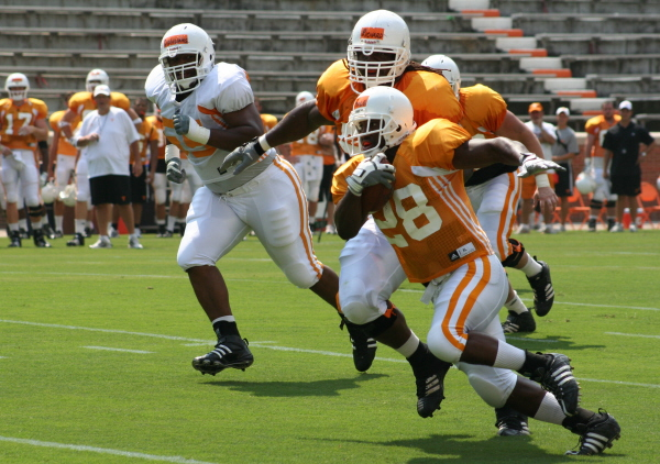 fall camp 4 Vols Start Second Week of Practice Gate 21